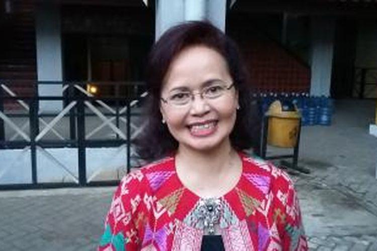 Juru bicara panitia seleksi calon pimpinan KPK, Betti Alisjahbana, saat ditemui di Balairung Universitas Indonesia, Depok, Kamis (28/5/2015).
