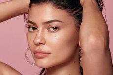 Sukses di Usia Muda, Ini Orang yang Berperan dalam Hidup Kylie Jenner