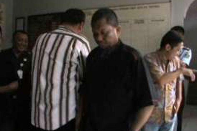 Rudi hitam terpidana teroris yang diduga terkait jaringan santoso dipindahkan dari Mako Brimob kelapa II Jakarta ke lapas kelas IIB POlewali mandar. Senin petang (25/4) kemarin.