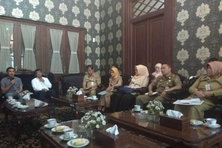 Wali Kota Salatiga Yuliyanto memaparkan penanganan kasus Corona.