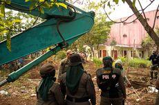 Penertiban Kampung Bulak, Warga: Bongkar Juga RS Sentra Medika!