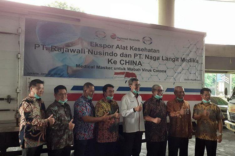 Pelepasan ekspor perdana masker dari PT Rajawali Nusindo ke China di Jakarta, Jumat (31/1/2020).