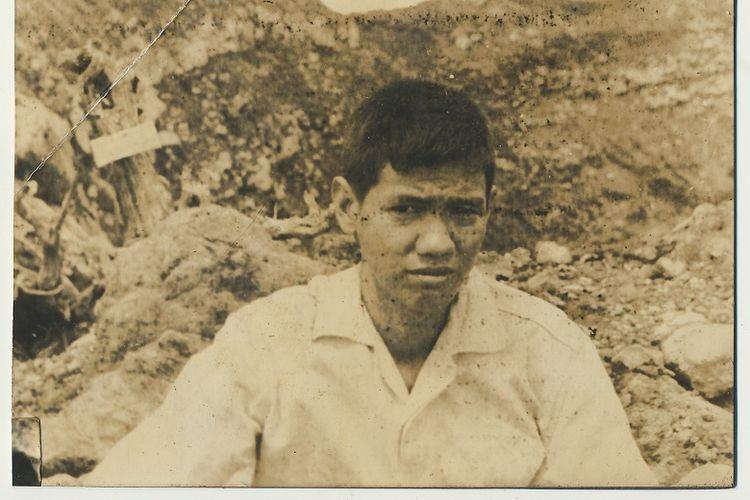 Foto Soe Hok-Gie yang ditemukan di Sekretariat Mapala UI, Depok, Jawa Barat. Soe Hok-Gie merupakan salah satu pendiri Mapala UI sekaligus aktivitis yang turut berperan dalam aksi long march dan demo besar-besaran pada tahun 1966. Mapala UI sebagai salah satu pelopor pencinta alam di Indonesia, memiliki foto-foto yang menjadi bagian sejarah kepencintaalaman di Indonesia