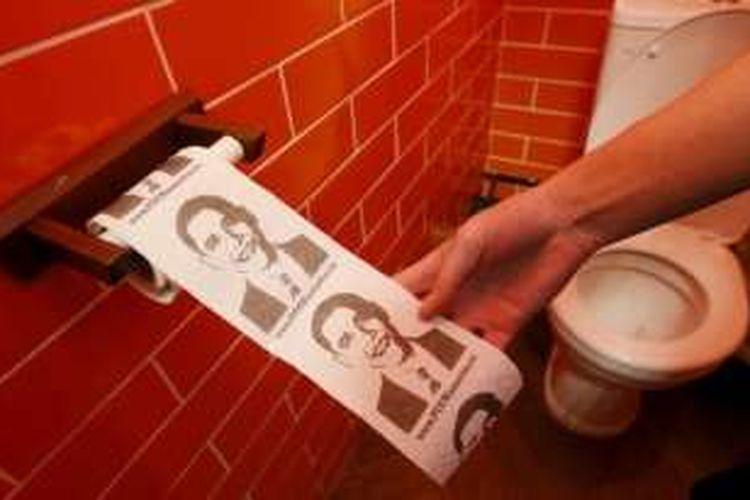 Tisu toilet bergambar wajah Presiden AS Barack Obama ini terdapat di sebuah kafe di Siberia yang didedikasikan untuk Presiden Rusia Vladimir Putin.