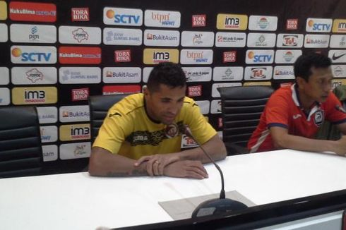 Reaksi Berbeda Pelatih Sriwijaya FC dan PBFC