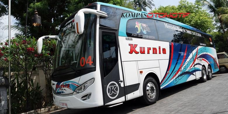 Bus OC 500 RF 2542 dengan karoseri Adi Putro diperkenalkan di Nusa Dua Bali, Kamis (27/11/2014).