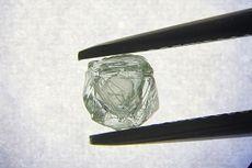 Berlian Unik dengan Permata Lain Terperangkap di Dalamnya Ditemukan di Rusia
