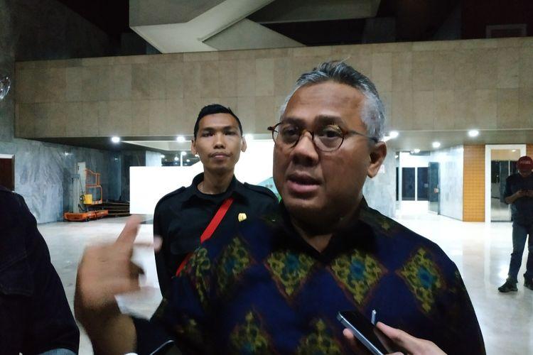 Ketua KPU Arief Budiman di Kompleks Parlemen, Senayan, Jakarta, Senin (2/12/2019).