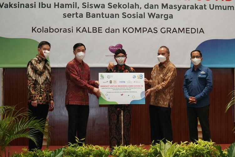 Rayakan HUT Ke-76 RI, Kalbe, Kompas Gramedia dan BKKBN Berkolaborasi Gelar Sentra Vaksinasi