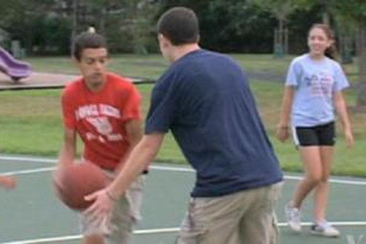 Olahraga saat remaja berdampak pada kesehatan di usia tua.