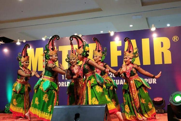 Pertunjukan Tari Gandrung di MATTA Fair 2019 Kuala Lumpur, Sabtu (16/3/2019).