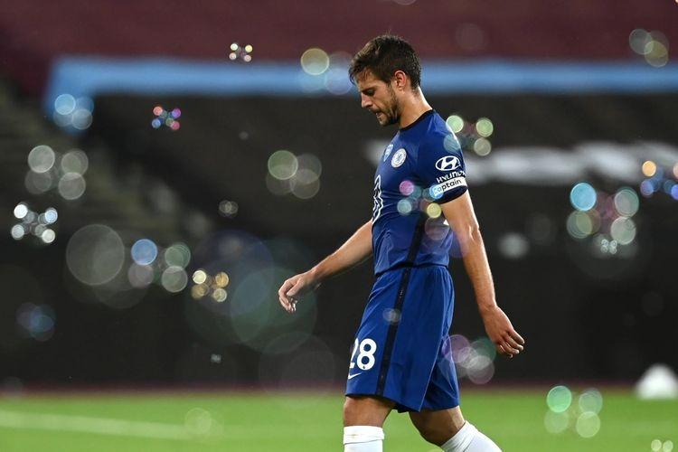 Cesar Azpilicueta setelah Chelsea dikalahkan West Ham pada pekan ke-32 Liga Inggris 2019-2020.