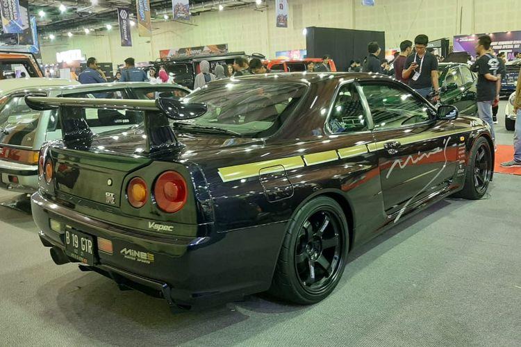 Modifikasi Nissan Skyline GT-R R34 di IMX 2019.