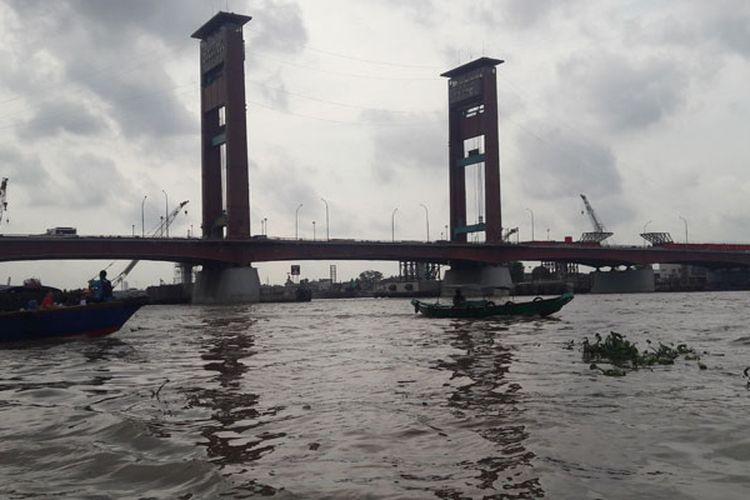 Jembatan Ampera di Palembang, Sumatera Selatan, Selasa (22/8/2017).