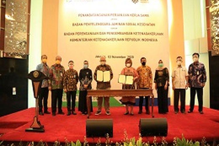 Direktur Perluasan dan Pelayanan Peserta BPJS Kesehatan, Andayani Budi Lestari beserta jajarannya di Jakarta, Selasa (03/11/2020)