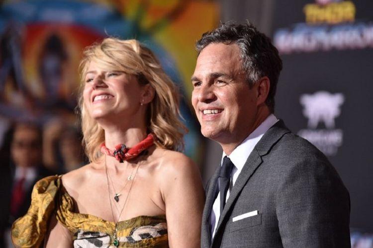 Aktor Mark Ruffalo dan istrinya, Sunrise Coigney, menghadiri pemutaran perdana film keluaran Marvel Studios, Thor: Ragnarok, di Los Angeles, California, pada 10 Oktober 2017.