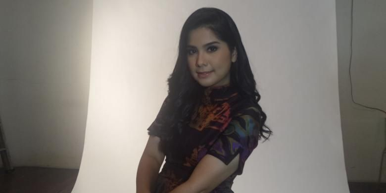 Annisa Pohan usai pemotretan di studio Kolbano, Tebet, Jakarta Timur, kamis (29/12/2016).