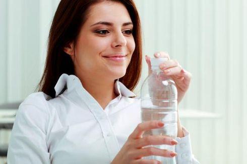 Perlukah Minum Air Putih 8 Gelas Sehari?