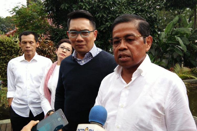 Sekjen Partai Golkar Idrus Marham saat bertemu dengan bakal calon gubernur Jabar Ridwan Kamil di Pendopo Kota Bandung, Jalan Dalemkaum, Sabtu (4/11/2017).