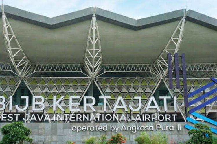 Bandara Kertajati saat ini memiliki kapasitas 5 juta penumpang per tahun. Kedepannya akan dilakukan pengembangan, sehingga kapasitas meningkat menjadi sekitar 29,3 juta penumpang per tahun.
