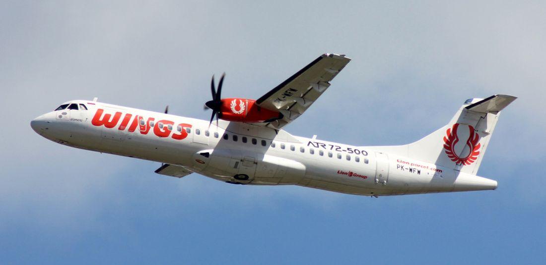 Wings Air ATR 72-500 PK-WFW untuk penerbangan Surabaya-Labuan Bajo PP.