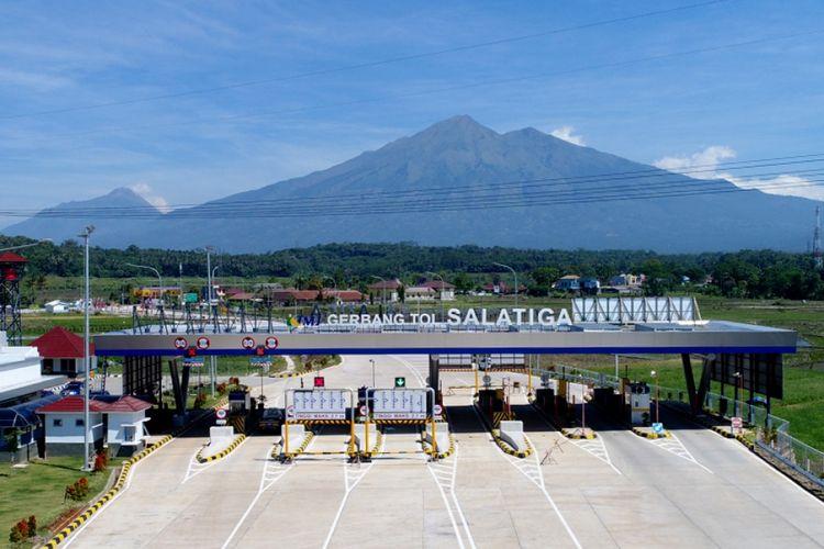 Suasana Gerbang Tol (GT) Salatiga Ruas Tol Bawen-Salatiga, Jawa Tengah, Sabtu (17/6/2017). Ruas tol ini akan dibuka secara fungsional pada H-7 hingga H 7 Lebaran.