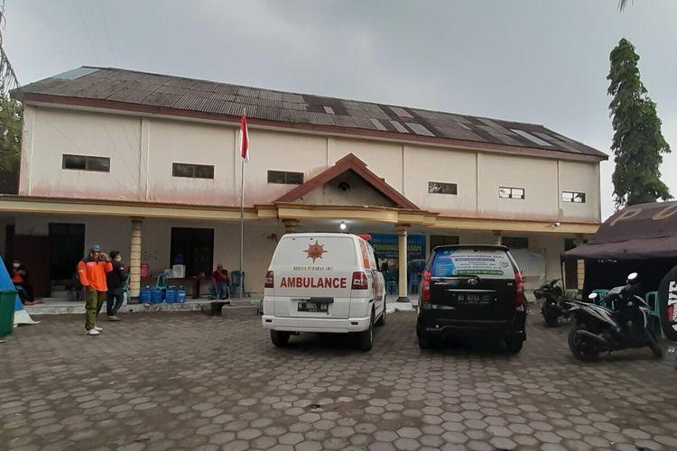 Suasana tempat evakuasi sementara Desa Balerante, Kecamatan Kemalang, Kabupaten Klaten, Jawa Tengah setelah ditinggal pulang pengungsi ke rumah masing-masing, Rabu (3/2/2021).