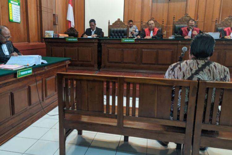 Dimas Kanjeng jalani sidang penipuan dan penggelapan di Pengadilan Negeri Surabaya, Rabu (16/10/2019)