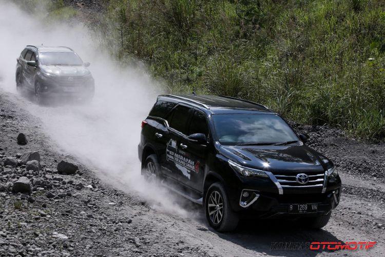 Uji ketangguhan Toyota Fortuner VRZ di Kali Kuning Merapi