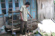 Hujan Deras, Rohmat dan Ngatiyo Kehilangan Dapur Rumahnya