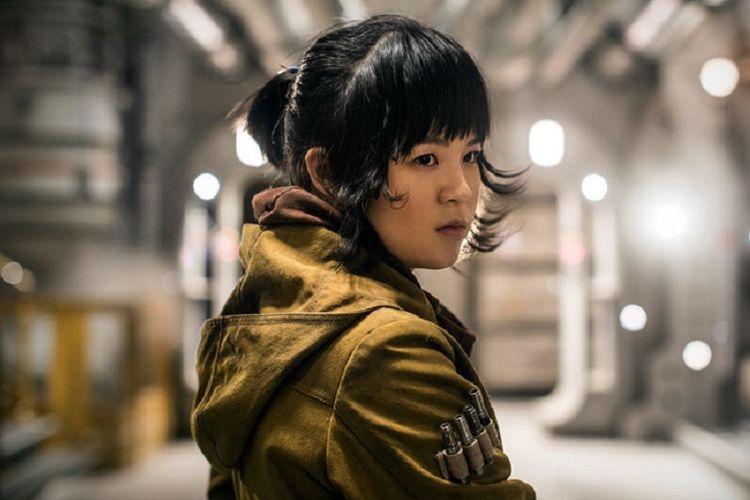 Artis peran Kelly Marie Tran saat melakoni karakter Rose Tico di film Star Wars: The Last Jedi