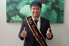 Kuliah dari Uang Pinjaman dan Hasil Jualan Kue, Anak Kondektur Bus Lulus Cumlaude