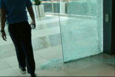 Kaca di Skybridge Terminal 3 Bandara Soekarno-Hatta Pecah karena Gempa