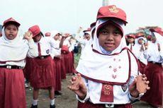 Hari Ini dalam Sejarah: Program Wajib Belajar Dicanangkan Soeharto
