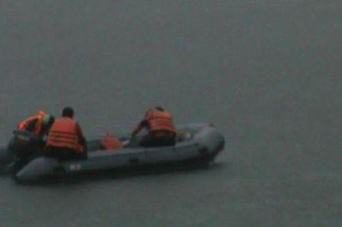 Cuaca Buruk Hambat Pencarian 3 Korban Tenggelam di Waduk