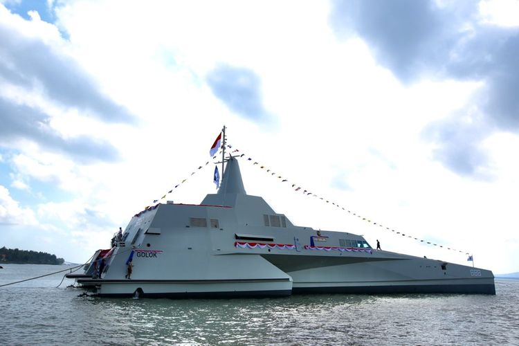 The Indonesian National Navy (TNI AL) launched the Republic of Indonesia warship in Banyuwangi Regency, East Java, Saturday (21/8/2021).