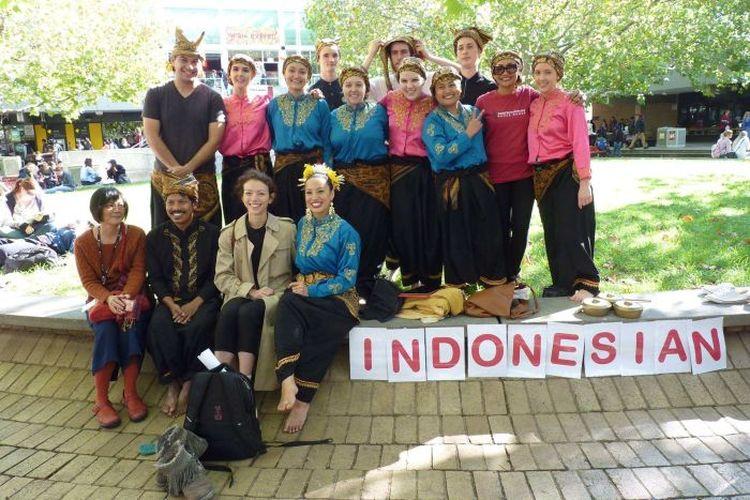 El año pasado, los estudiantes indonesios de la Universidad La Trobe solicitaron que no se cerrara el programa de estudios de Indonesia.  (Facebook: Asociación de Estudiantes de Law Trobe Indonesia)