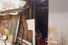 Di Kampung Pulo, Djarot Janjikan Bedah Rumah Sejumlah Warga