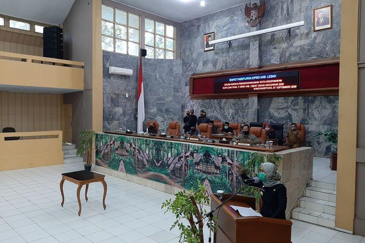 Bupati Lebak Iti Octavia Jayabaya saat Rapat Paripurna di DPRD Kabupaten Lebak, Senin (7/9/2020).