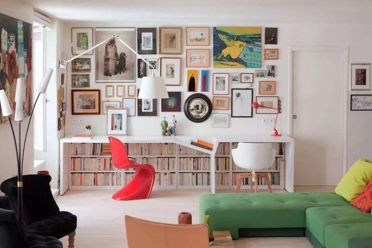 Tata letak barang-barang di ruang kerja karya Christophe Vendel