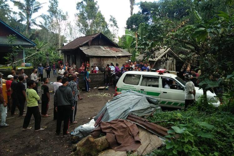 Nasib nahas dialami NPGJ, bocah asal Banjar Dinas Badeg Kelodan, Desa Sebudi, Selat Karangasem, Bali. Anak berusia itu tahun ini tewas tertabrak mobil pikap yang dikendarai orangtuanya, Senin (20/7/2020) siang di pekarangan rumahnya.