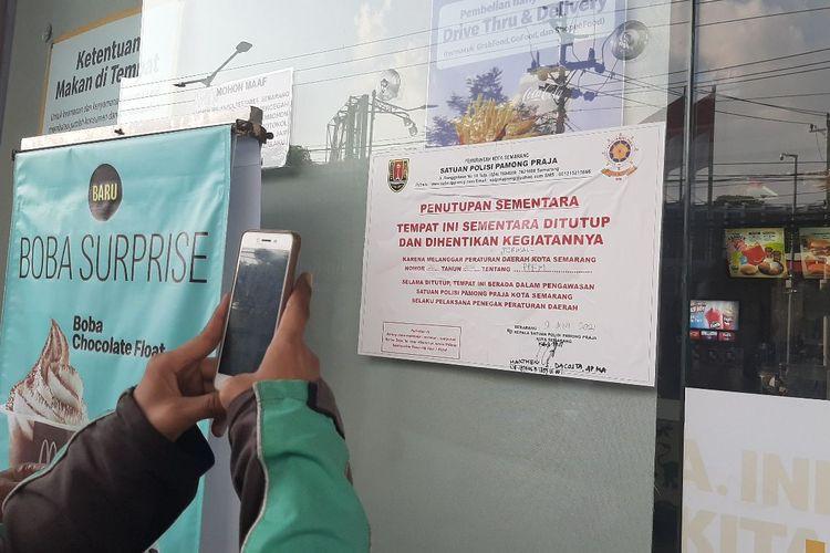 Penutupan di McD Pandanaran Semarang, Rabu (9/6/2021).