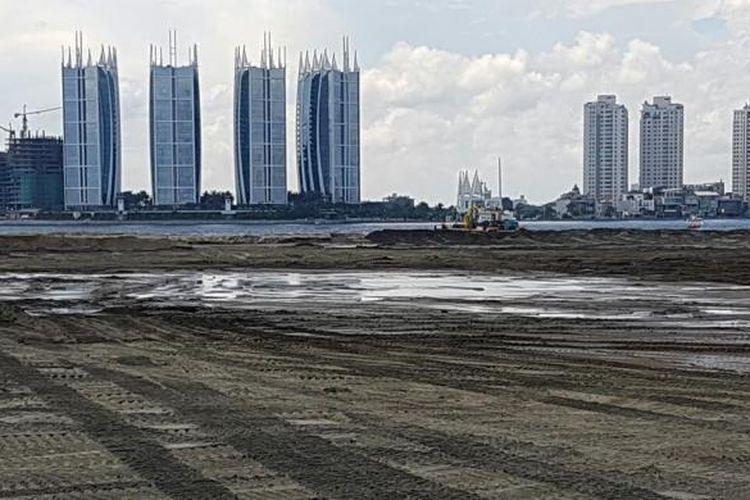 Reklamasi Pulau G di Teluk Jakarta, Jakarta Utara.