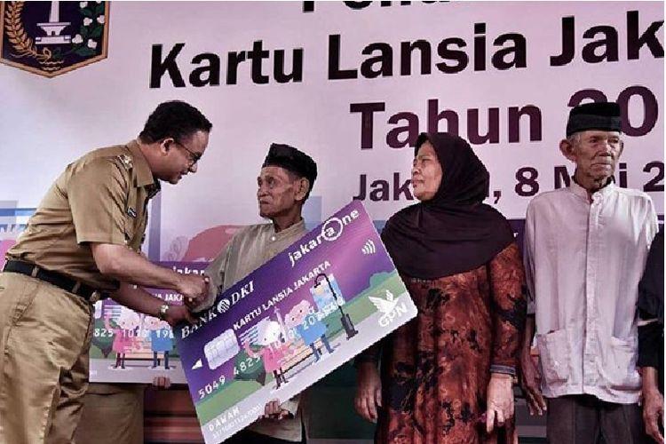 Gubernur Provinsi DKI Jakarta Anies Baswedan saat peluncuran Kartu Lansia Jakarta di wilayah Jakarta Pusat beberapa waktu lalu.