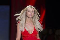 Cantiknya Sofia Richie dalam Balutan Bikini Langka Christian Dior...