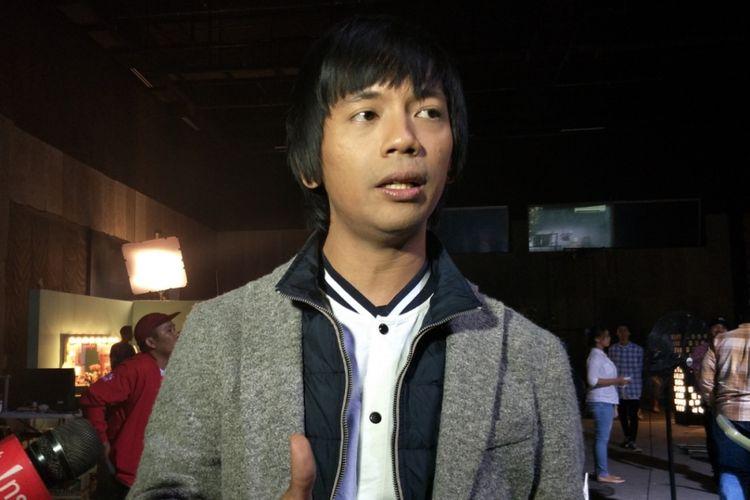 Rian DMasiv ditemui di sela shooting video klip untuk singel Pernah Memiliki di Karnos Studio, Cibubur, Depok, Jawa Barat, Selasa (6/2/2018) sore.