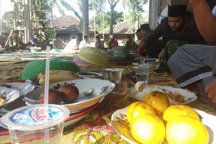 Tradisi roah usai sholat idul Adha di Masjid Bunrantok