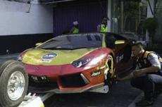 Lamborghini Keluar Asap Tebal di Surabaya, Cek Legalitas hingga Diduga Komponen Mobil Terbakar