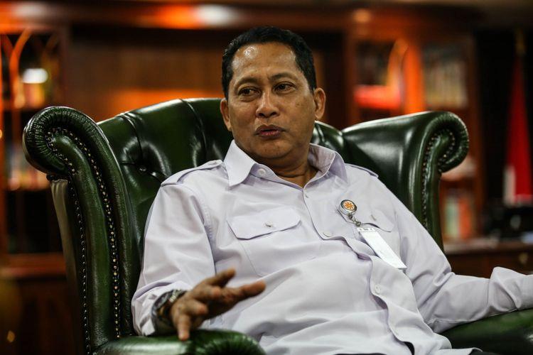 Direktur Utama Perum Bulog Komjen (Purn) Budi Waseso menjawab pertanyaan saat wawancara khusus dengan Kompas.com di Kantor Pusat Perum Bulog, Jakarta, Kamis (31/5/2018).