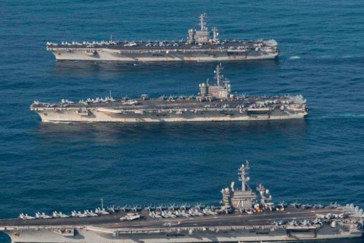Tiga kapal induk AS saat berlayar di perairan Pasifik dalam latihan bersama angkatan laut Jepang dan Korea Selatan.